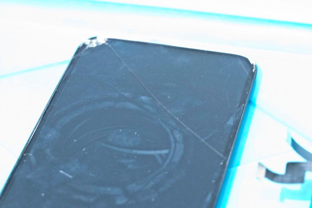 iPhoneX ガラス割れ